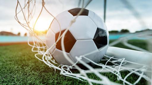 Федерация футбола США отменила правило, требующее вставать во время исполнения гимна страны. Спорт-Экспресс